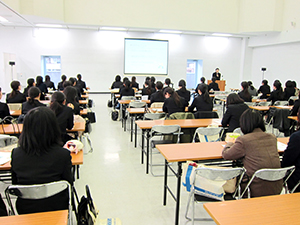 薬学生対象の「リクルートメイク講座」1